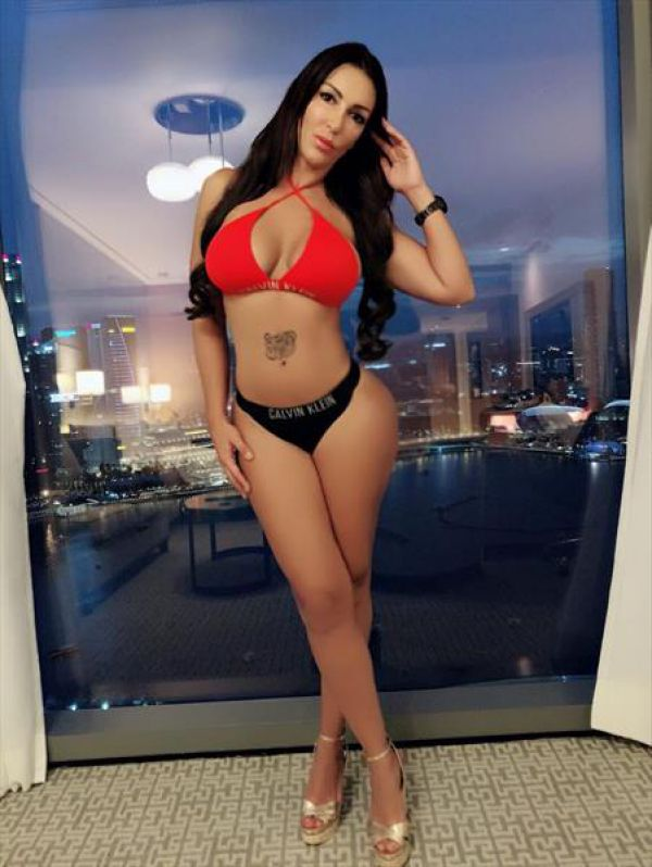 Call gils Brisbane — escort Laura